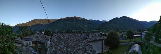 Bed & Breakfast Ai Fontana: Vista panoramica dal balcone delle camere