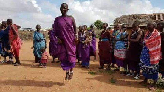 Tsavo National Park East, Kenya: Maasai dance free