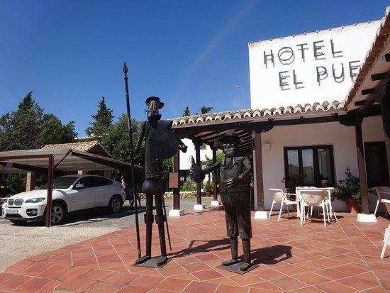 Puerto Lapice, สเปน: terrasse du restaurant / hôtel