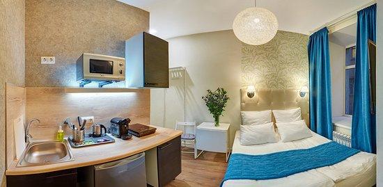 Variant М59: Номер Апартаменты-студия со всем необходимым: кухня с техникой, ванная комната.