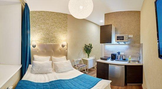 Variant М59: Номер Апартаменты-студио продуман в деталях - в наличии кухонный гарнитур со всей техникой и ванная комната.