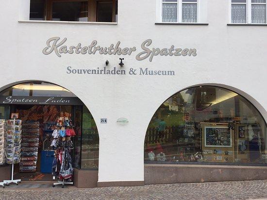 Kastelruther Spatzenladen & Museum