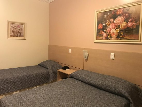 Hotel Dona Adelia: Apartamento Luxo