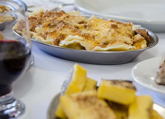 Restaurante Dona Adélia: Tortéi ao molho da casa