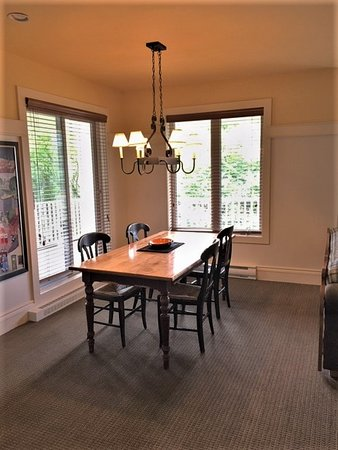 Dining room, one bedroom Les Terraces