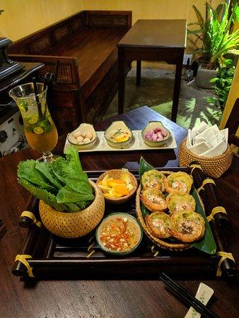 Le Fe Dining Place: Bánh khọt (appetizer) & Saigon kumquat (drink)