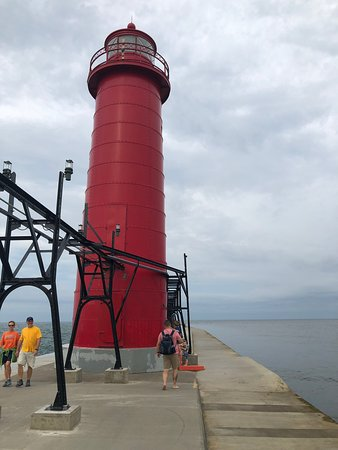 Grand Haven Lighthouse and Pier - Updated 2019 - All You