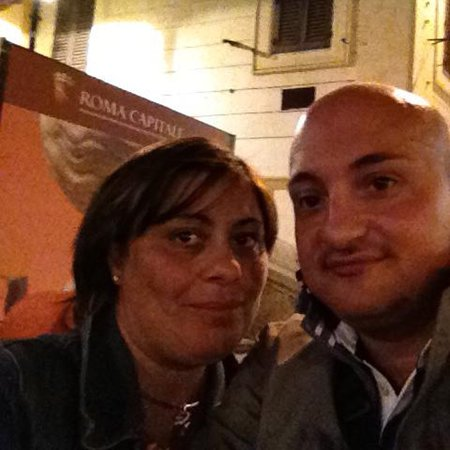 Rome: Spanish steps to the Colosseum itinerary and meet-up with a local host: Io e Loredana in piazza di Spagna 