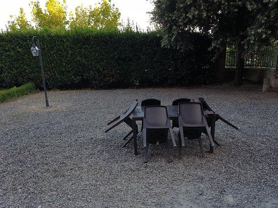 San Ruffino Resort: private garden of deluxe suite garden.