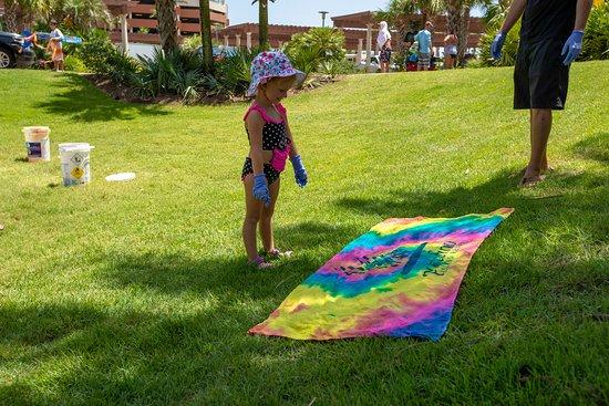 Portofino Island Resort: Kid's Activities: Tie Dye