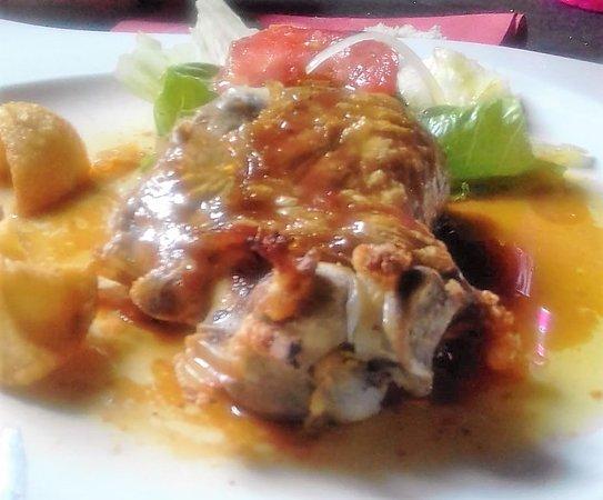 """Otro segundo plato de LECHAZO """"ASADO"""" """"RECIEN HECHO""""  con salsa y guarnición"""