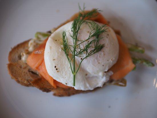 poached egg /smoked salmon on sourdough