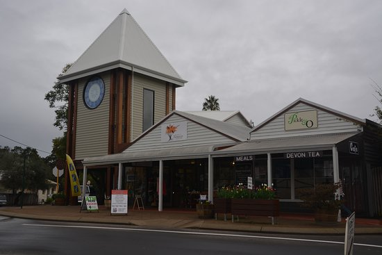 The new clock face has been installed and a mechanical clock mechanism is on its way.  Soon we will be once again be able to tell the time in Nannup