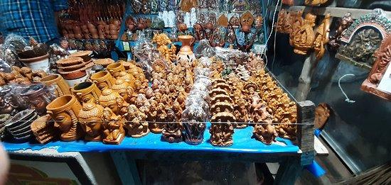 Bishnupur, Indien: The famous terracotta items