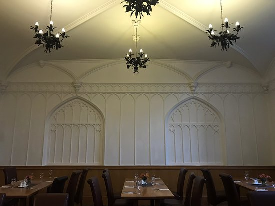 Missenden Abbey Conference Centre: Breakfast area set up