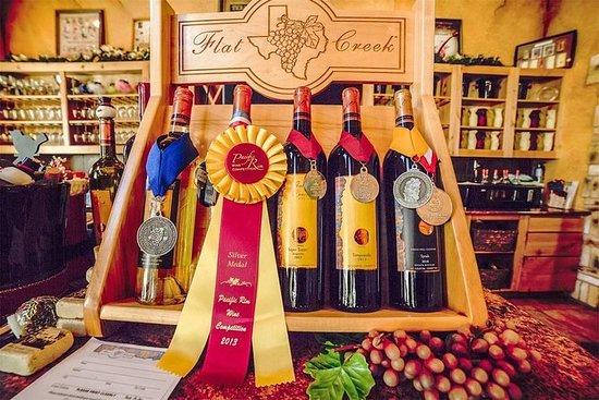 マーブルフォールズでのワイナリーツアーとワイン3コースの食事