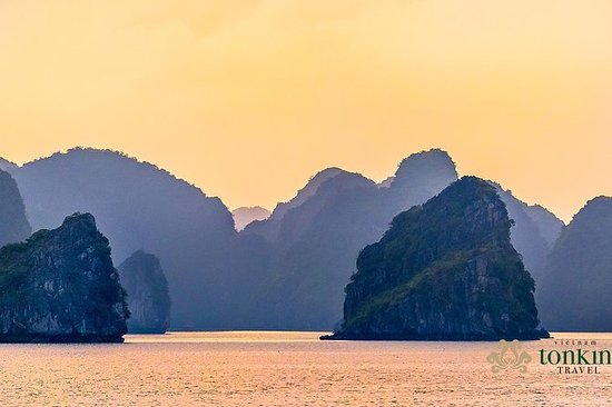 HALONG BAY LUXURY CRUISE 2D / 1N