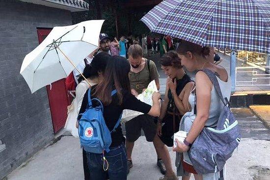 3 Hours Old Beijing Morning Hutong Walking Tour with Local Breakfast: 2-Hour Old Beijing Morning Hutong Walking Tour with Local Breakfast