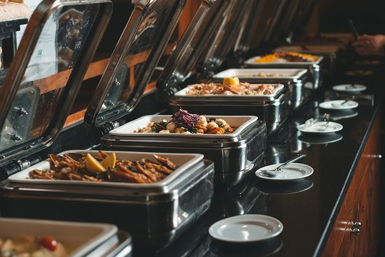Al Noukhaza Seafood Night - Every Wednesday & Friday Night