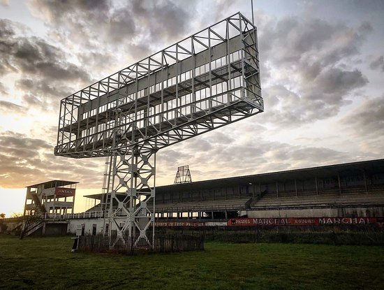 Reims Circuit at first light