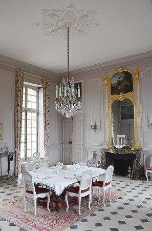 Le Bourg-Saint-Leonard, Fransa: Salle à manger du château