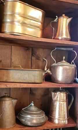 TreeHouse Antiques Center 사진
