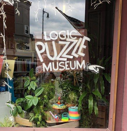 Logic Puzzle Museum