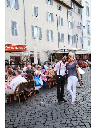 Sorridi, sei al Virgilio! 🥂😎  #campodefiori #virgilio #italianrestaurant #rome #citycenter