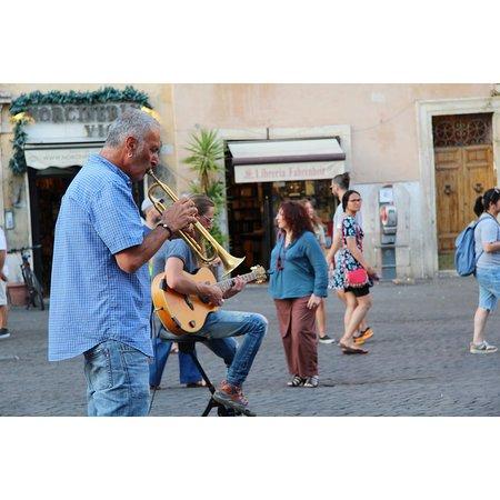 Musica dal vivo a sorpresa 🎺🎼  #campodefiori #virgilio #summernight #music #fun