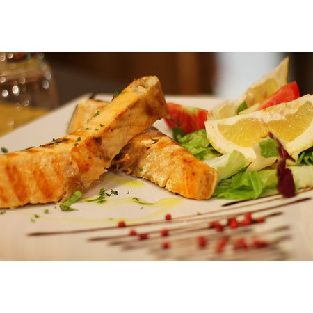 Salmone alla griglia 🐟🔥  #virgilio #campodefiori #dinner #fish #italianrestaurant