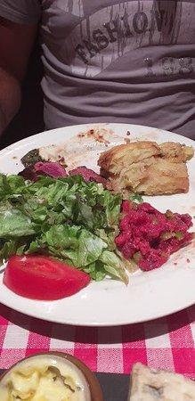 assiette 3 viandes ; carpaccio, pavé et tartare de bœuf