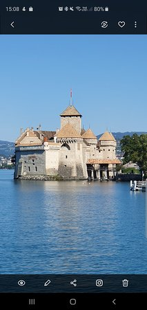 Veytaux, Suiza: So beautiful ! Si beau ! Che bello !