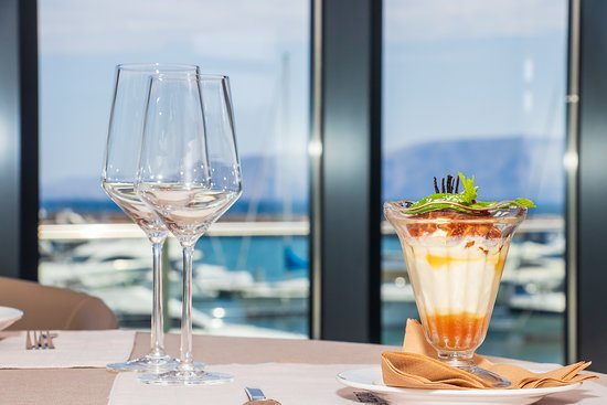 Join us after your walk by the sea for a dessert and a glass of wine