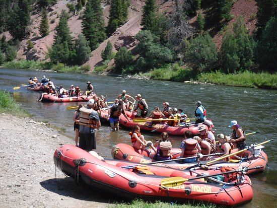 Rapid Transit Rafting: Lunch stop