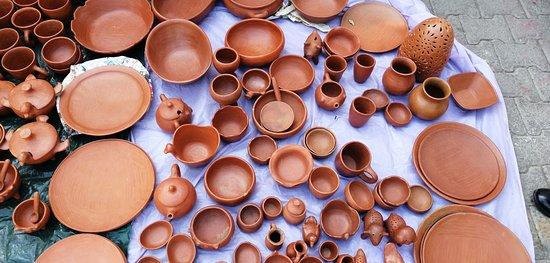 Barro rojo en el mercado de Tlacolula de Matamoros Oaxaca que se lleva a cabo cada Domingo.
