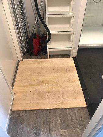 Afdekking/reparatie verzakte vloer