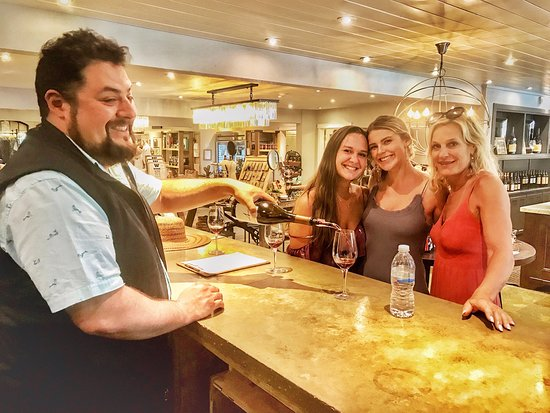Celebrating Olivia's 21st birthday in the wine country. Benziger Winery was the last stop of the day. Cheers to Carla, Olivia and Maddie. ❤️🍷