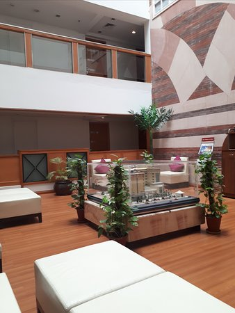 Ramada by Wyndham Jaipur: seating area on the first floor