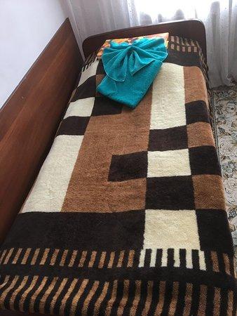 Chegem, Venäjä: My lovely bed - not!