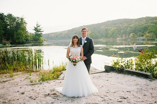 Arrow Park: Picturesque Fall Lake Photo