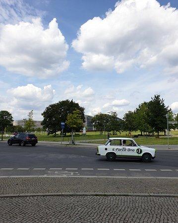 2-Hour Trabant Vintage Car Rental in Berlin: Cool