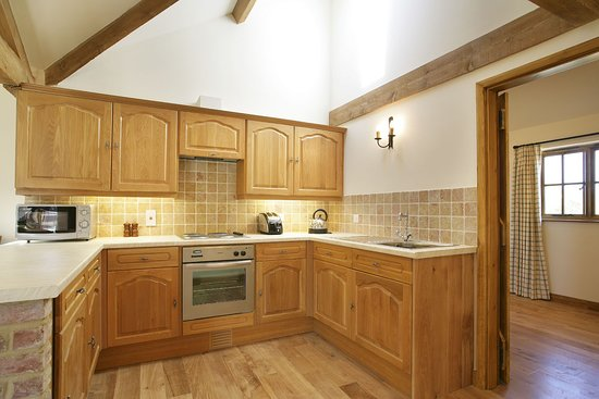 Grange Farm Country Cottages: Kitchen area in The Dairy Parlour