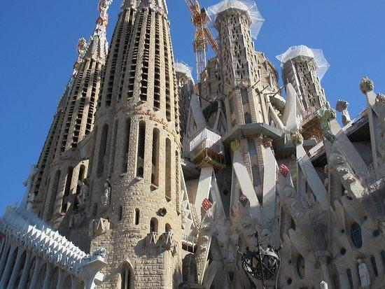 Skip the Line: Basilica of the Sagrada Familia Basic Admission Ticket: View of outside