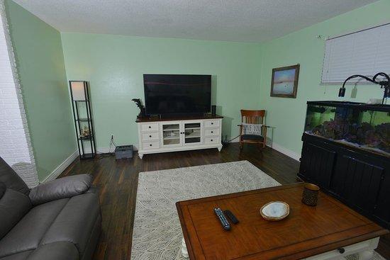 טיטוססוויל, פלורידה: Front living room