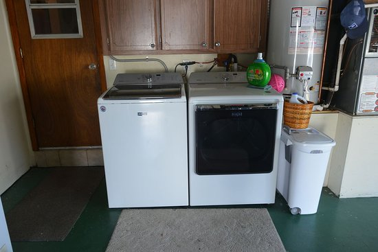 Titusville, FL: Washer and dryer