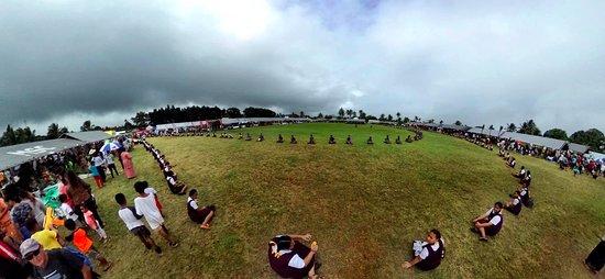 Mounu Island, Tonga: Visit to Tonga Fair waiting for the King of Tonga
