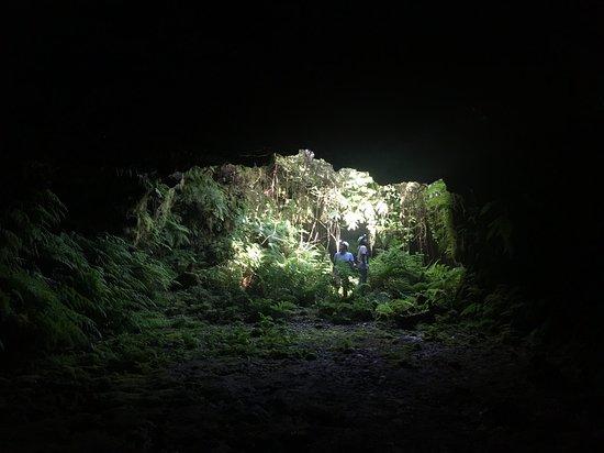 Vulkaner & Natur 4x4-tur: the cave