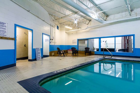 Motel 6 Trenton: pool