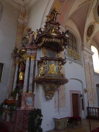 Die Kanzel der Pfarrkirche St. Laurentis