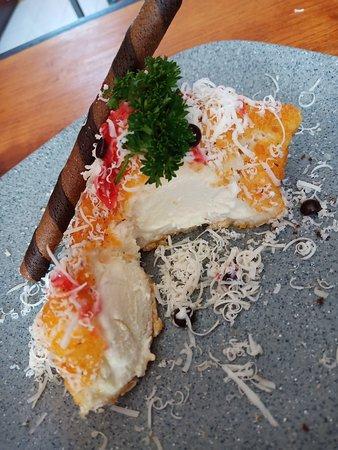 Klungkung, Indonesien: Es cream Goreng Es cream yg digoreng membuat sensasi garing diluar, lembut es cream di dlm